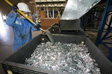 加州一電子廢棄物回收中心 (ROBYN BECK/AFP/Getty Images)