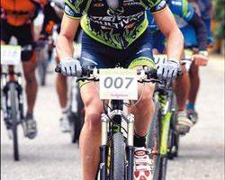 瑞士名将纳夫昨在美利达杯单车嘉年华爬坡计时赛精英组夺得冠军。(图/美利达提供)