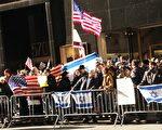 昨日﹐曼哈顿时代广场以色列支持者与哈马斯的支持者对峙。(摄影﹕黎新/大纪元)