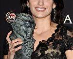 女星佩内洛普-克鲁兹(Penelope Cruz)获得最佳女配角奖。(图/Getty Images)