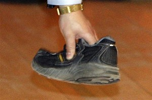 紀紅:我看劍橋飛鞋事件