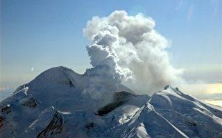 阿拉斯加州保壘火山爆發 可能持續數週