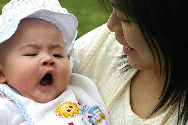 有魄力的女性,負責任的母親,她不會因壓力驟增、心力交瘁而怨天尤人。(圖:大紀元)