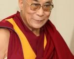 去年11月20日,中国大陆的108名藏人学者向《全球藏人特别大会》提出五点建议,吁藏人支持和拥护达赖喇嘛。同时,他们向达赖喇嘛表达敬仰,期盼达赖喇嘛尽快回到拉萨。此外全球各地约600名藏人代表在印度达兰萨拉参与,并宣布五项讨论结果,并特别表示西藏流亡政府才是合法政府、达赖喇嘛才是西藏人民的真正代表,要求中国政府立即停止污蔑达赖喇嘛。(AFP)