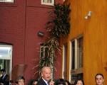 5月15日,美國副總統拜登(Joe Biden)在訪問加州期間承諾給加州住房牆面經濟援助。目前,全美有約40%的住房牆面是塗有含鉛油漆。(GABRIEL BOUYS/AFP/Getty Images)