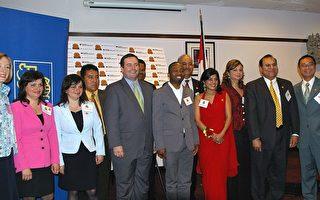 25杰出移民获奖 加拿大移民部长祝贺