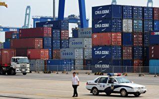 中共在碼頭放大量空集裝箱 製造經濟繁榮假象