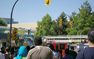 男子欲跳桥 温哥华铁道镇交通受阻两小时
