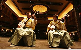 """两厅院世界之窗日本系列--传统文化与现在结合的最佳代表曲风""""吉田兄弟新三味线""""。(国立中正文化中心 两厅院提供)"""