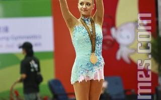 2009高雄世界 运动会韵律体操,俄罗斯卡娜耶娃(Eugenia Kanaeva )今天再夺两金,完成包办四面金牌的大满贯。(摄影:李曜宇/大纪元)