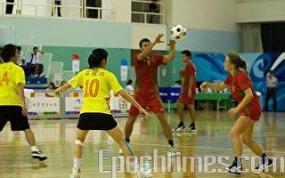 高雄世运合球比赛中华队今天首战葡萄牙队,比赛战况激烈。(摄影:王仁骏/大纪元)