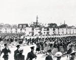 中共一九五七年发起反右运动。(维基百科)