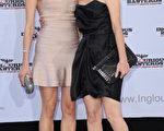 本片两位美女主演:黛安·克鲁格(Diane Kruger)与梅拉尼·罗兰(Melanie Laurent)一起在柏林的首映会上亮相。(图/Getty Images)