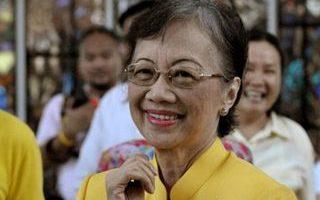 菲前总统艾奎诺夫人 柔性力量写传奇