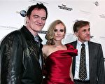 导演昆汀·塔伦蒂诺( Quentin Tarantino)携主演黛安·克鲁格(Diane Kruger)、克里斯托弗·瓦尔兹(Christoph Waltz )一起亮相。(图/Getty Images)