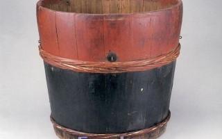 年代:20世紀    材質:木   直徑:32.5公分    高:21.5公分