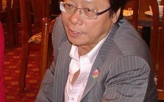 黄毓民在接受专访(大纪元)