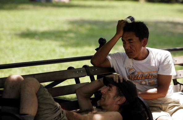 氣溫上升常會引發偏頭痛。(Chris Hondros/Getty Images)