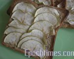 酸甜的苹果脆片加上肉桂粉的好吃苹果派!(图:天使厨坊/大纪元)