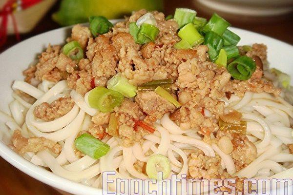 【采秀私房菜】魚香肉醬拌麵