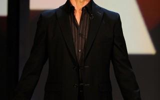 美国电影演员、曾主演票房大作《热舞17》(Dirty Dance)和《人鬼情未了》(Ghost)的帕特里克‧斯韦兹(Patrick Swayze),因胰腺癌去世,享年57岁。图摄于2008年9月5日在加州好莱坞。(图片来源:Getty Images/Getty Images)