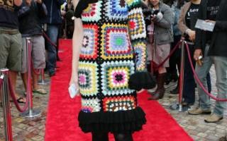 組圖:影后布蘭切特幾何花裙頗具民族風