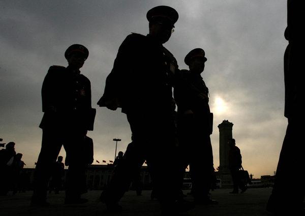 中共对世界各国大搞网络战略,许多国家包括英国、法国、美国都发现了中共黑客的攻击,而且它的背景都是中共军方。(MARK RALSTON/AFP/Getty Images)