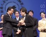 2009全世界華人鋼琴大賽金獎得主武曉鋒風采 (攝影:愛德華 / 大紀元)