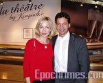 来自联合国的西娅女士和托马斯先生在莱蒙大剧院(摄影:何天成/大纪元)