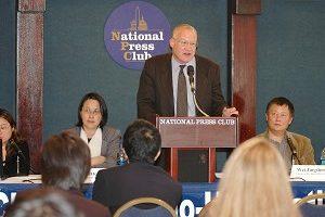 中国问题专家、《失去新中国》作者伊森.葛特曼。(大纪元)