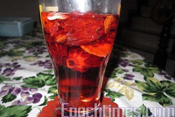 洛神花茶(圖:吳樹枝/大紀元)