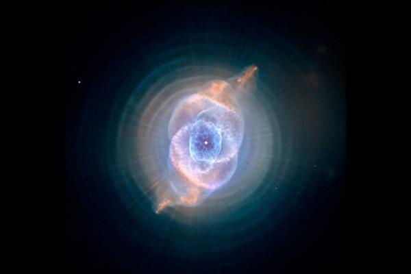 外形酷似猫眼的星系(NASA/ESA/HEIC/ Hubble STScI/AURA)
