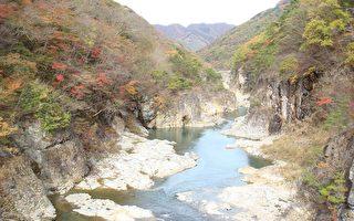 组图:秋游日本(二)龙王峡