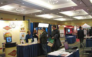 加拿大特许经营协会举行招商会,50多个商家参展。(摄影:高明/大纪元)