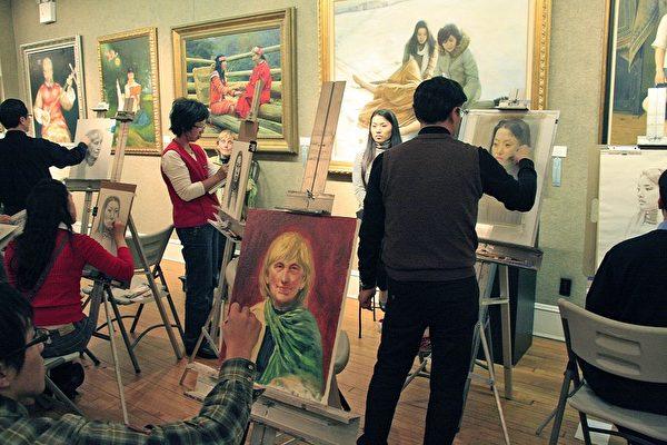 華人畫家現場寫生 觀眾讚才華橫溢