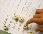 寓教於樂的數學遊戲能激發孩子對數學的興趣。(Getty-Images)