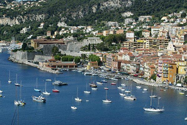 法國在生活質量最佳的國家排名中已連續五次排名第一。圖為法國南部著名的藍色海岸(Cote d'Azur)一景(法新社)