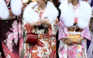 日本「成年日」振袖競豔