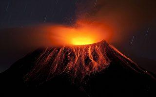 厄瓜多爾通古拉瓦火山噴發