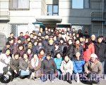 上海访民们捐赠物资后合影(图片由访民提供)