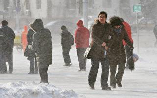 2010年元旦,哈尔滨市气温已经突破了零下30度,然而供暖问题一直无法得到保证,致使哈尔滨市香坊区的数万居民在冷屋子里度过了一个颤抖的新年。 ( GettyImage )