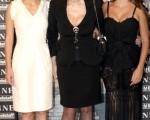 (左起)玛丽昂·歌迪亚(Marion Cotillard)、索菲娅·罗兰(Sophia Loren)、佩内洛普·克鲁兹(Penelope Cruz) 三位女星一起出席记者会。(图/Getty Images)