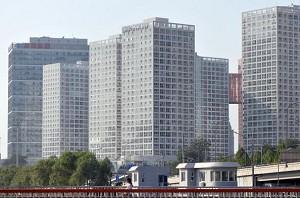 北京日前推出了有关商住房的限购措施,措施实施后,商住房交易量下降99.9%。图为北京一处商业楼盘。