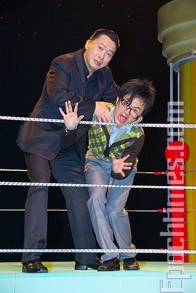 趙正平首次參加舞台劇,與從從爆笑演出。(攝影:黃宗茂/大紀元)