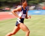 比如有人能在100米的赛跑中跑到10秒创造了世界记录,那么是不是全世界经过相同培训的人都可以跑到10秒呢?或者说,让破纪录者重新再跑一遍,以验证他是否真能跑出这个成绩。如果不能,是否就可以说:因为它不能进行重复的验证,人能在100米的赛跑中跑到10秒是不科学的呢!(摄影:王嘉益  / 大纪元)