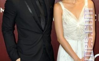 组图:亚洲电影大奖红毯  中港台女星PK风情美貌