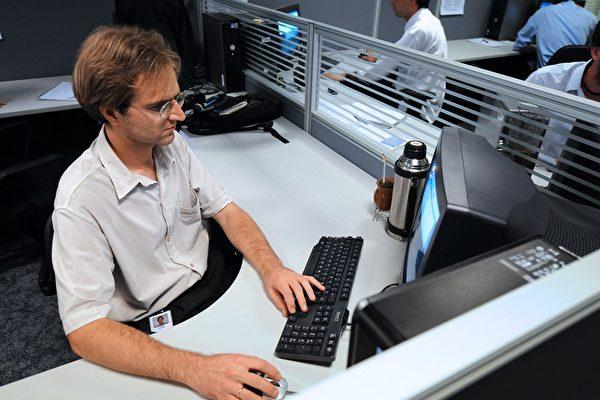 只要幾個簡單招數,就可讓你的電腦恢復原先的速度。(AFP PHOTO)