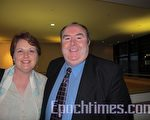 Corematters諮詢公司的總經理賽蒙‧金(Simon King)先生和夫人經朋友推薦,前來觀看了神韻在威爾士卡迪夫的第二場演出。