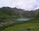 三江源核心地带的江嘉多德圣山 (图片来源:藏人提供)