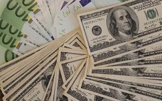 欧元狂跌至4年最低 中日英大幅增持美国债
